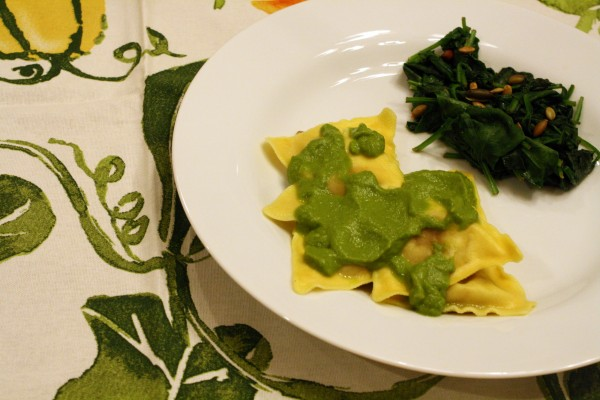 Cheesy Spinach Sauce and Ravioli