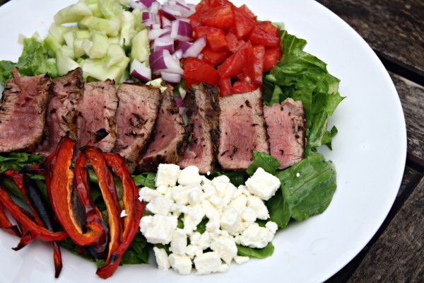 Mediterranean Salad with Steak