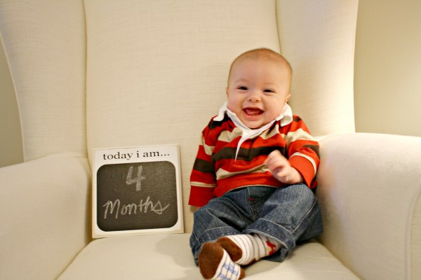 Elliott at 4 months